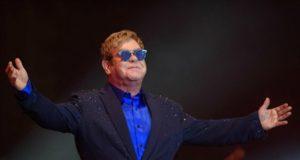 Elton John ha rischiato di morire
