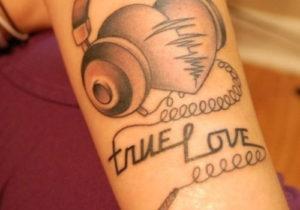 ligabue tatuaggi citazioni