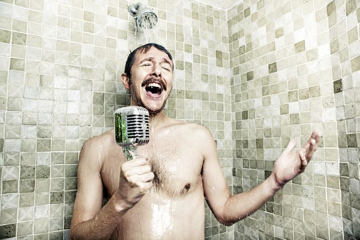 cantare doccia motivo
