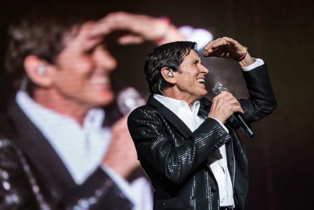 Gianni Morandi tour