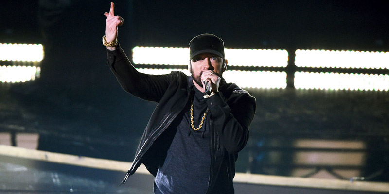 Oscar Eilish Eminem esibizione